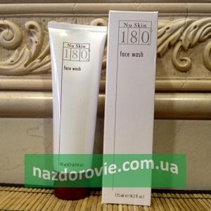 Средство для очищения кожи лица 180